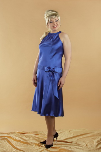 Нарядные платья для девушек