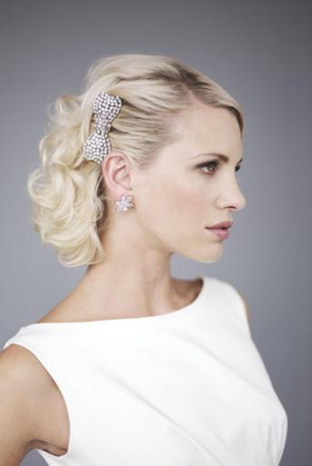 Свадебные прическа на короткие волосы до плеч
