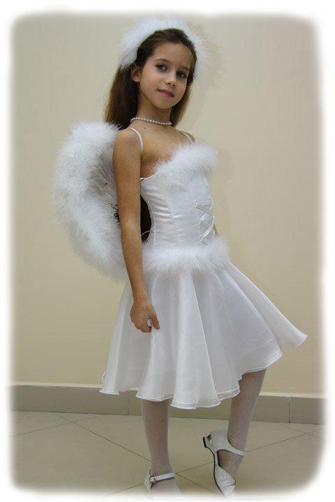 Карнавальные костюмы и детские платья