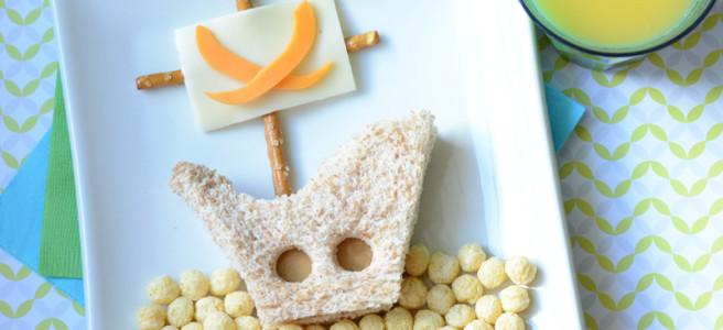 Пиратский корабль из еды на завтрак