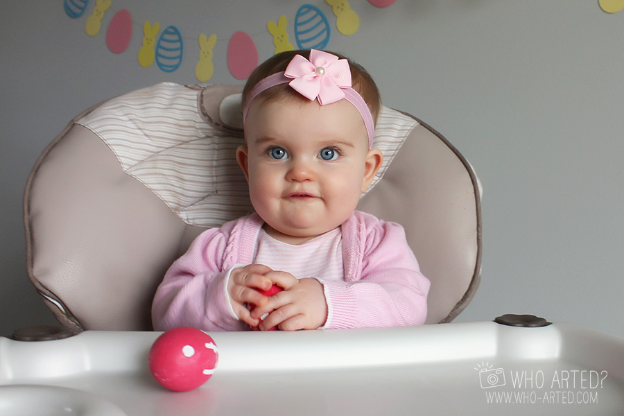 Девочка с Пасхальными яйцами