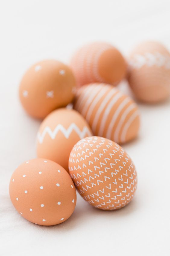 Яйца на Пасху с геометрическими фигурами