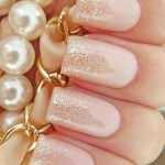 Розовый манюкюр с блестками на длинные ногти