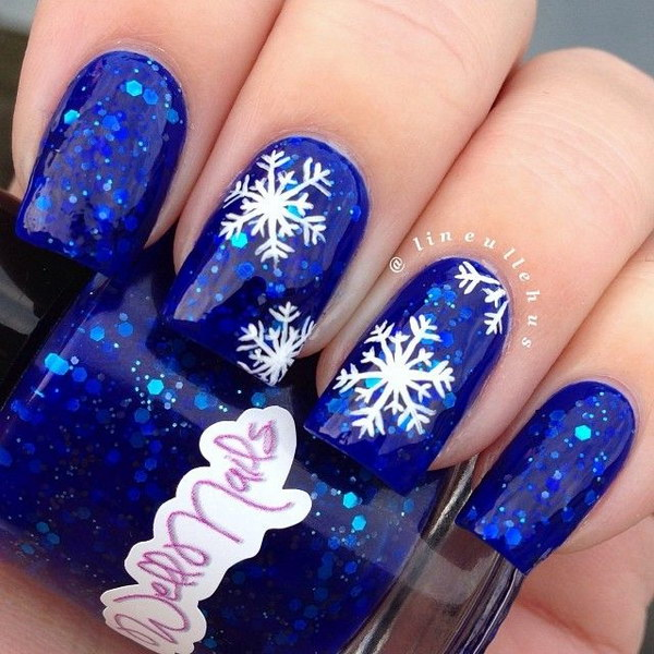 Новогодние снежинки на ногтях фото
