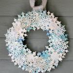 Снежинки в Новогоднем веночке