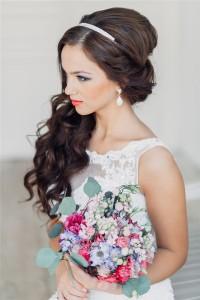 Прическа на свадьбу для невесты фото