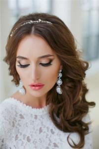 Красивая прическа для невесты