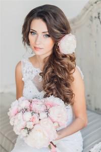 Невеста с цветами