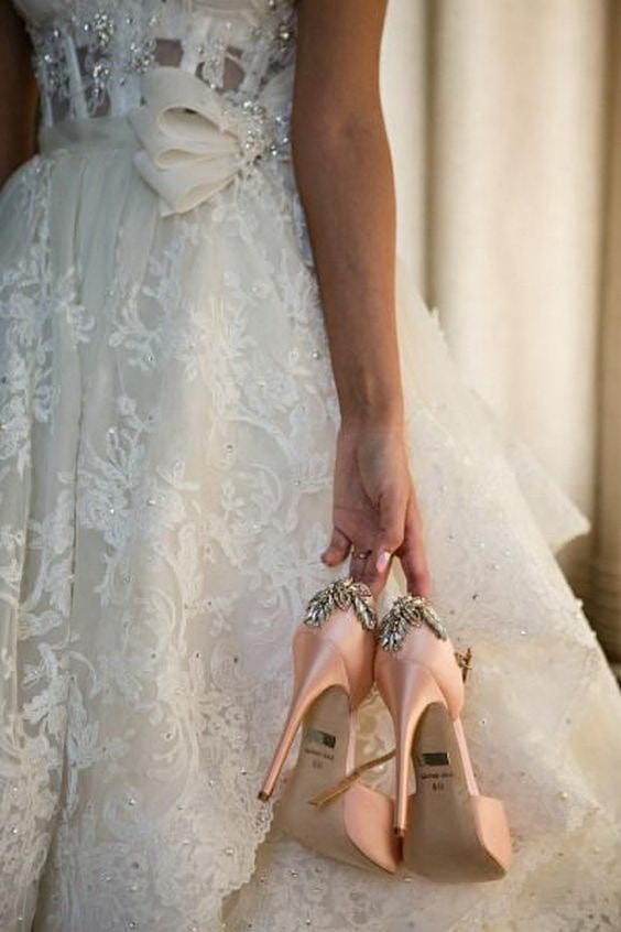 Шикарные розовые туфли