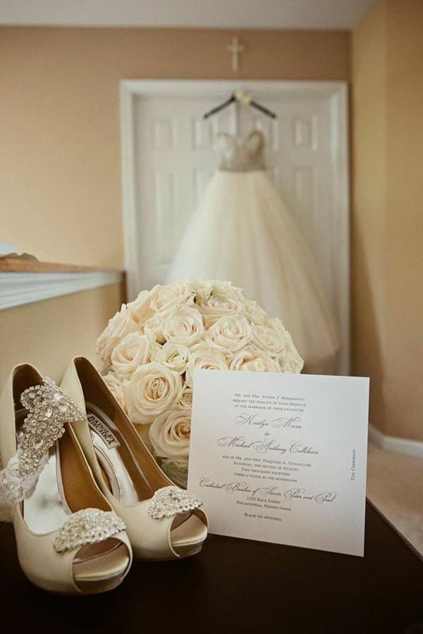 Туфли, букет на свадьбу