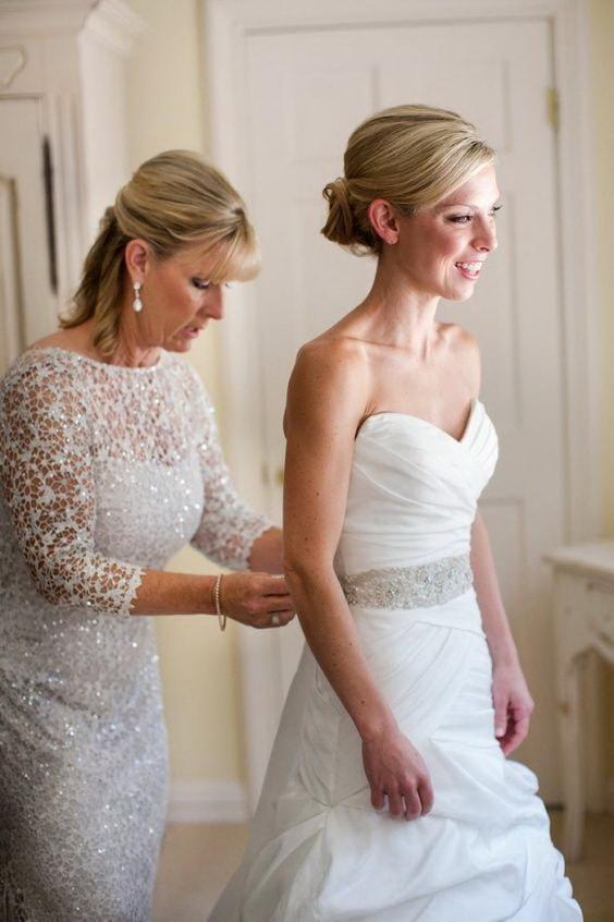 прически на свадьбу юной