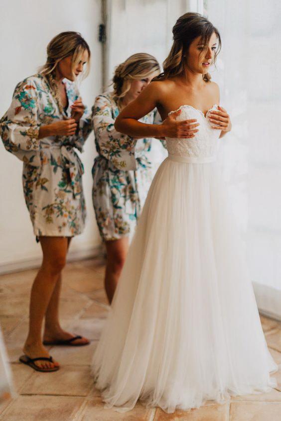 С подружками невесты