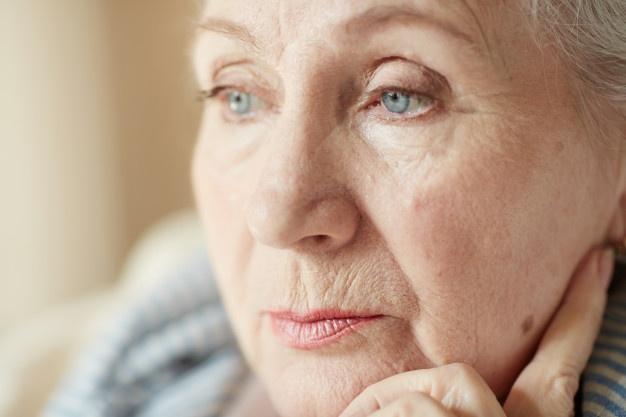 лицо пожилой женщины
