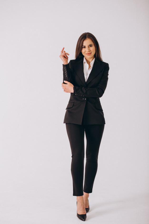 черный деловой костюм