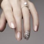 Свадебный маникюр с выделением безымянного пальца