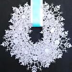Венок из снежинок для Рождества и Нового года