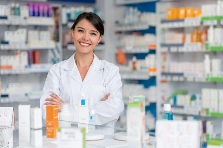 Топ-8 копеечных средств из аптеки, которые заменят дорогостоящий уход